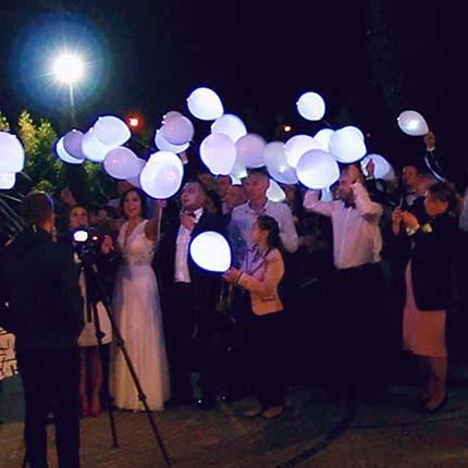 świecące balony led na wesele, lampiony szczęścia na wesele, balony led hel, fruwające balony, latające balony